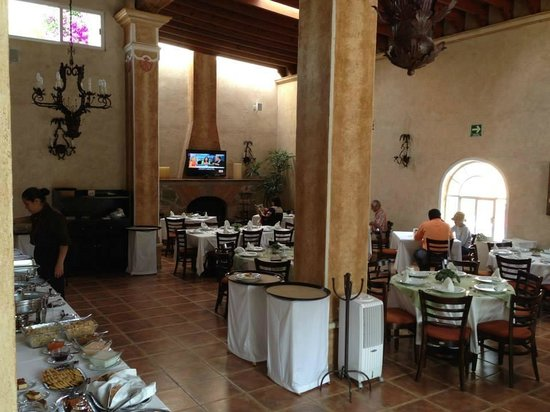 Hotel Boutique La Granja: Dining room Saturday morning