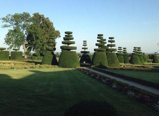 Chateau de Pizay : le jardin à la francaise