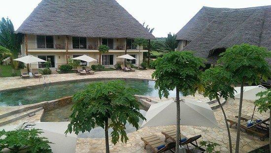 Dream of Zanzibar: Rustig zwembad halverwege het resort