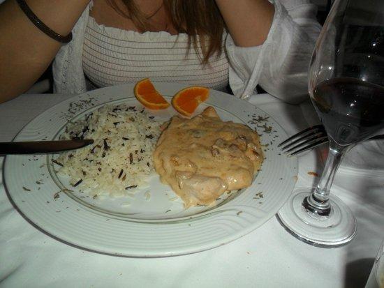 Ampelos Greek Restaurant & Wine Bar: Filetto in salsa