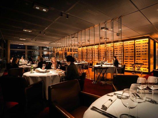 Restaurant RED - Platz und Privatsphäre