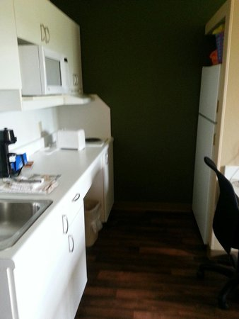 Extended Stay America - Rochester - Henrietta: Great kitchen area!