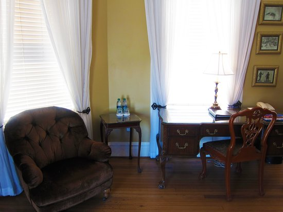 The Kehoe House - A Boutique Inn : Desk and Chair by the windows