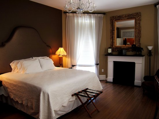 The Kehoe House - A Boutique Inn: The main view of the bedroom
