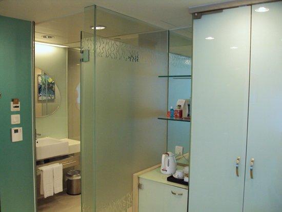 Regal Riverside Hotel: Banheiro