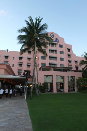 The Royal Hawaiian, a Luxury Collection Resort: よく見る景色とは逆の方