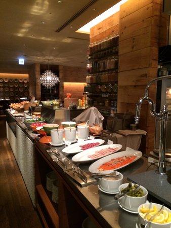 Hyatt Regency Tokyo : @ Lobby--western-style restaurant