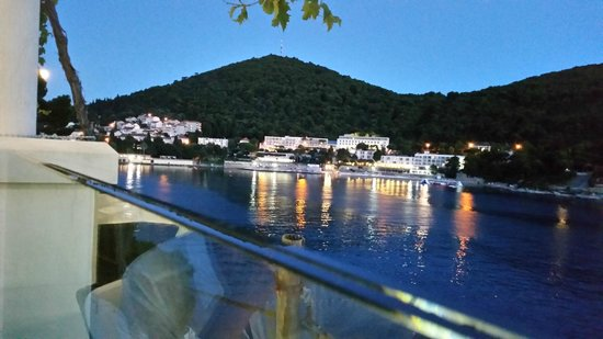 Hotel Vis : View from the other side of the bay