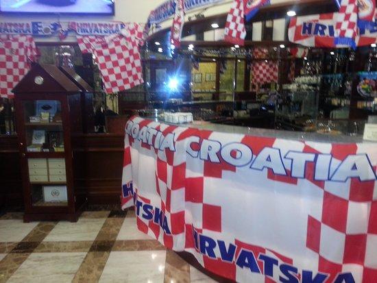 Best Western Premier Hotel Astoria: Det var Kroatiens nationaldag när vi bodde på hotellet.