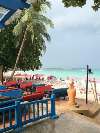 Baan Samui Resort : Weg zum Strand.