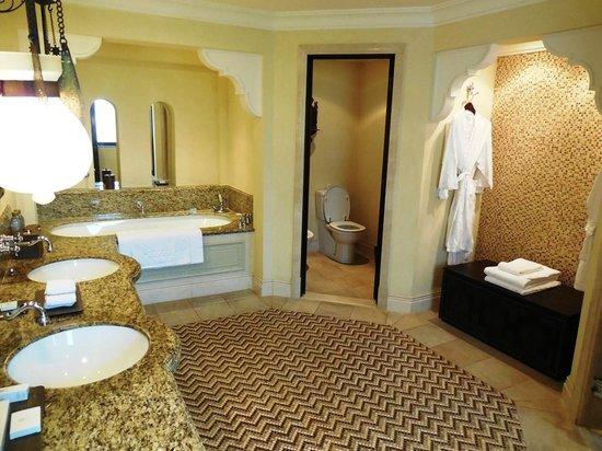 Jumeirah Dar Al Masyaf at Madinat Jumeirah : Villa Bathroom