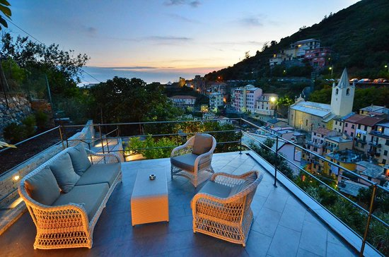 Cinqueterre Residence: The new panoramic shared terrace for all the guests