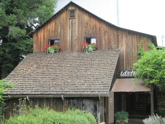 Philo, CA: Old Apple Drying Barn Serves As Tasting Room Today