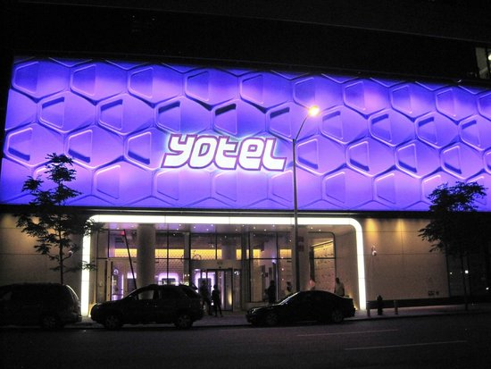 YOTEL New York at Times Square West : fachada del hotel.