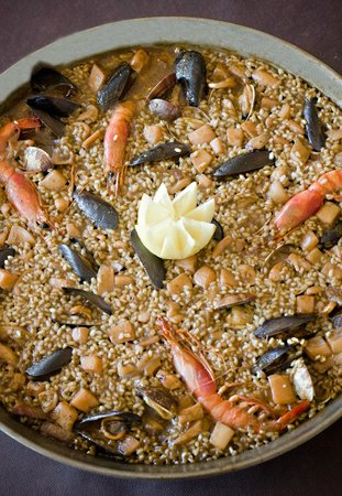Restaurant – Pizzeria Via 7: Paella