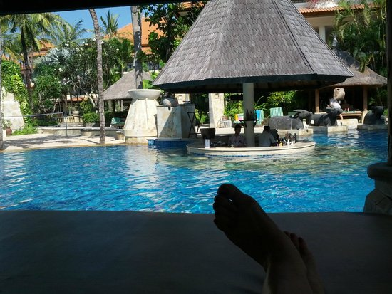 The Tanjung Benoa Beach Resort Bali: Pool view from cabana