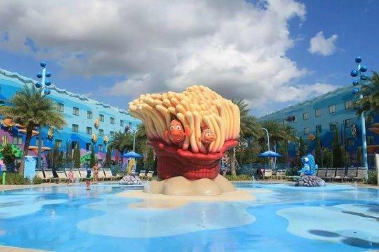 Disney's Art of Animation Resort: Finding Nemo pool area