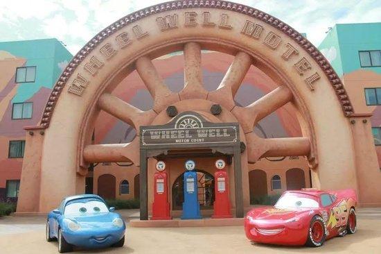 Disney's Art of Animation Resort: Cars area