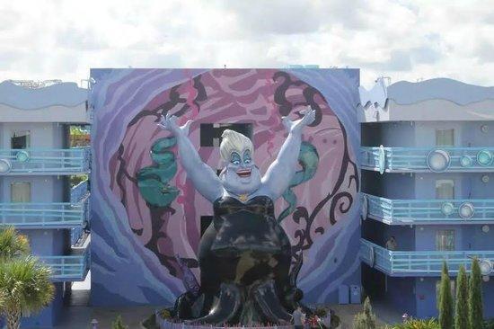 Disney's Art of Animation Resort: Little Mermaid area