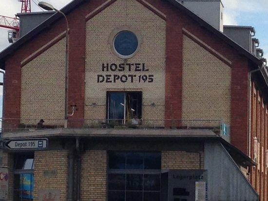 Depot 195 - Hostel Winterthur: fachada do hostel