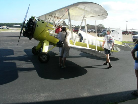 Barrier Island Aviation: Waiting for take-off