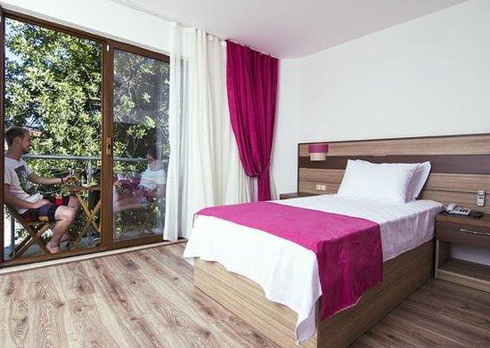 Eden Pyara Hotel : Double Room