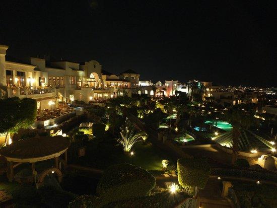 Hyatt Regency Sharm El Sheikh Resort : Hyatt Regency at night