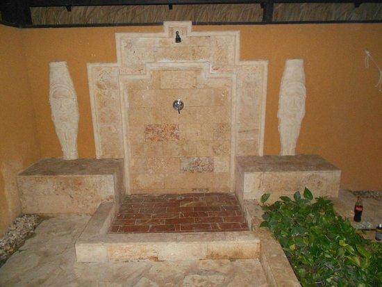 Grand Palladium Bavaro Suites Resort & Spa : la douche ext