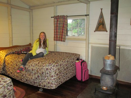 Roosevelt Lodge Cabins : 3 bed Roughrider Cabin