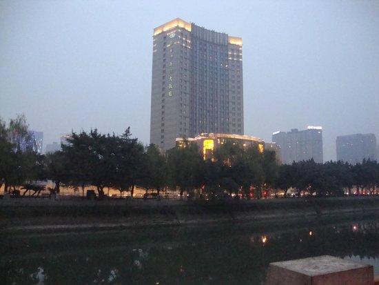 Sofitel Guangzhou Sunrich: Здание