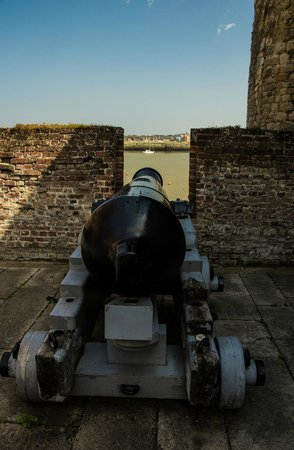 Upnor Castle: Dutch defence!