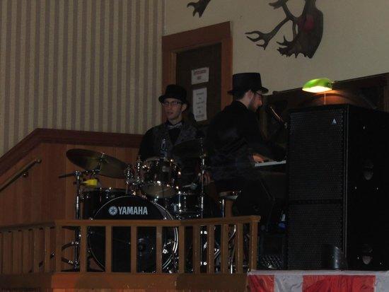 Diamond Tooth Gerties Gambling Hall: Auch die musikalische Untermalung wird in Originalkostümen gespielt