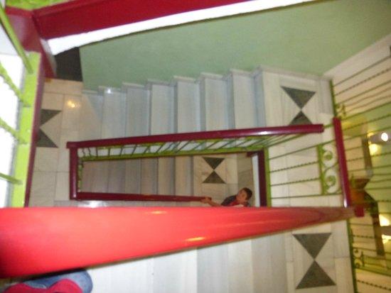 Hotel de l'Isard: Ascenceur ou escaliers : au choix!
