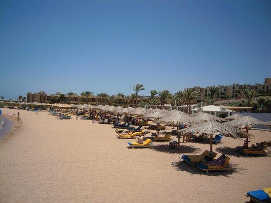Hilton Hurghada Plaza: Strand