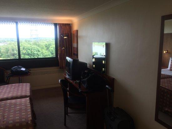 Erskine Bridge Hotel : Room
