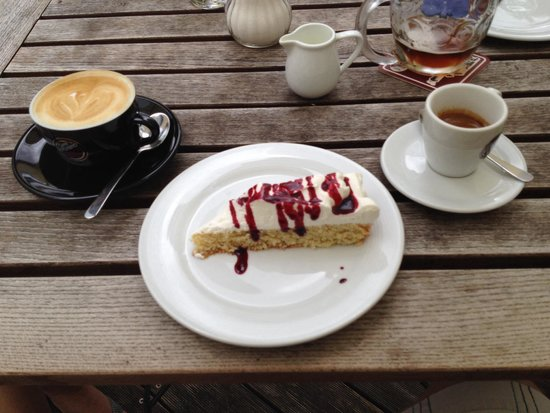 Kavarna Era : Perfect coffees&desert!