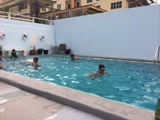 Dream Inn: swimming pool