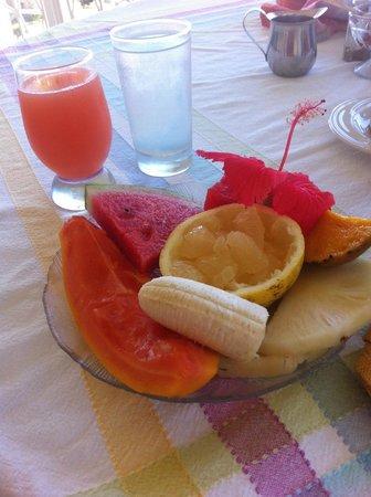 Polkerris Bed and Breakfast: Breakfast (Fruit)