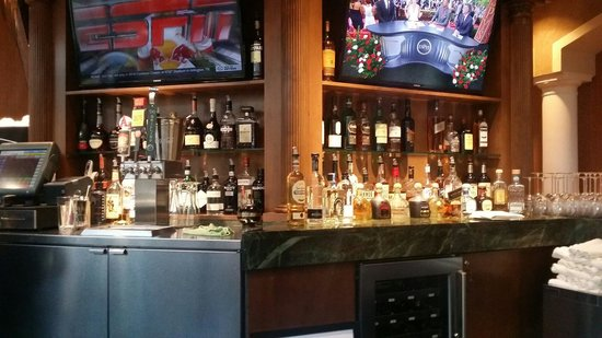 Woolley's Classic Suites - Denver Airport: Bar