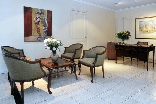 Mayla Apartments: recepción