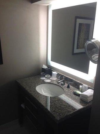 Le Westin Montreal: Vanity-Sink