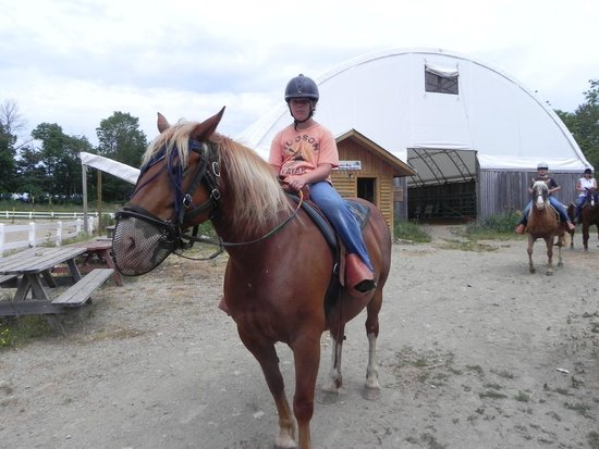 Honora Bay Riding Stables: 1st time rider did excellent