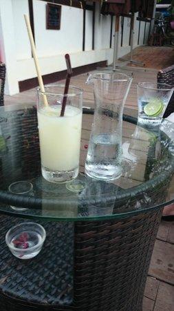 Maison Dalabua Hotel: Happy hour Pastis was especially happy