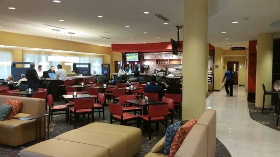 Courtyard by Marriott Fort Lauderdale Airport & Cruise Port : Lobby
