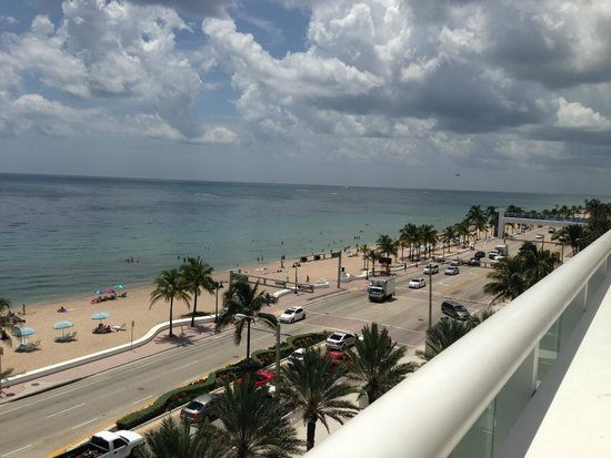 W Fort Lauderdale: Beach View from Pool