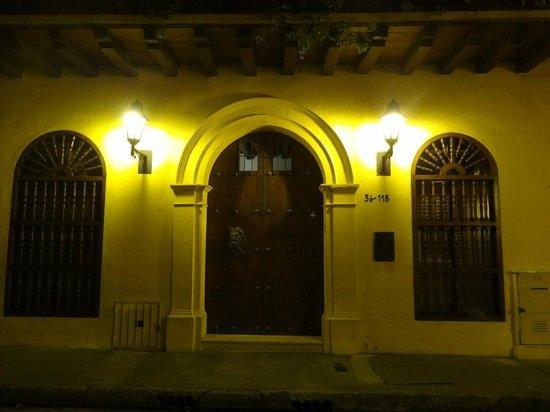 Hotel Quadrifolio: La puerta