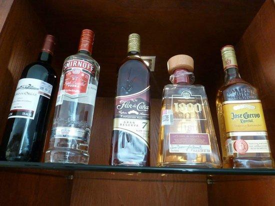 Excellence Playa Mujeres: mini bar