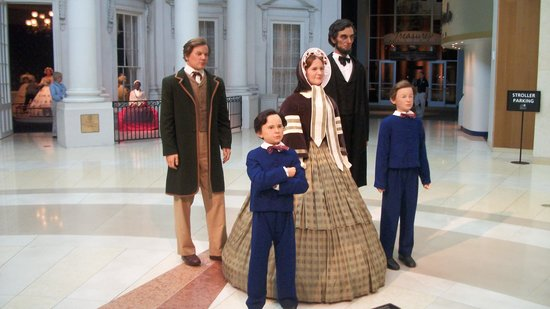 Abraham Lincoln Presidential Library and Museum: Abe Lincoln's and family