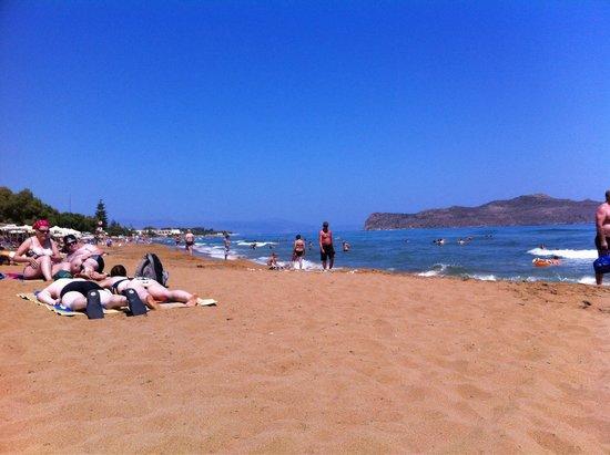 Maltezos Spyridon: A 10 km da Villa Rita : Spiaggia di sabbia dorata ad Agia Marina