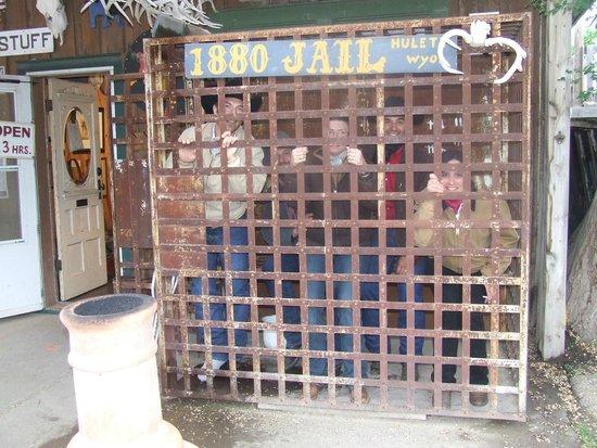 Rogue's Gallery : Everyone in prison